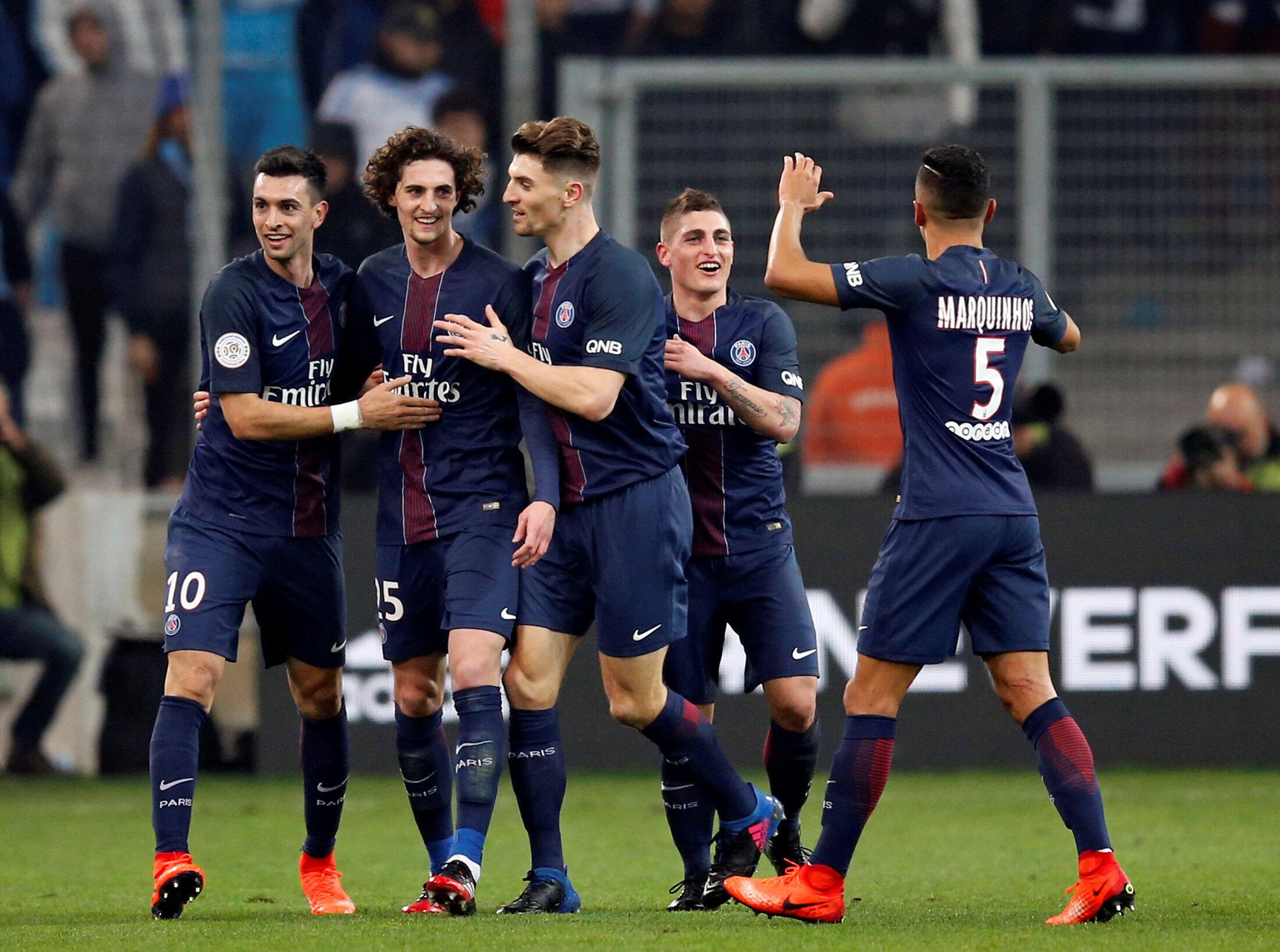 Los futbolistas del PSG celebran un gol durante el partido ante Marsella, el 26 de febrero de 2017.