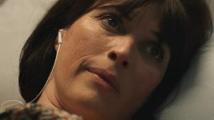 Magaly Godenaire dans «Violetta» de Julie Deliquet pour la 3e Scène de l'Opéra de Paris.
