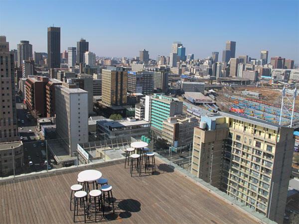 Vue de Downtown Johannesburg, depuis une des nombreuses terrasses en hauteur de la ville.