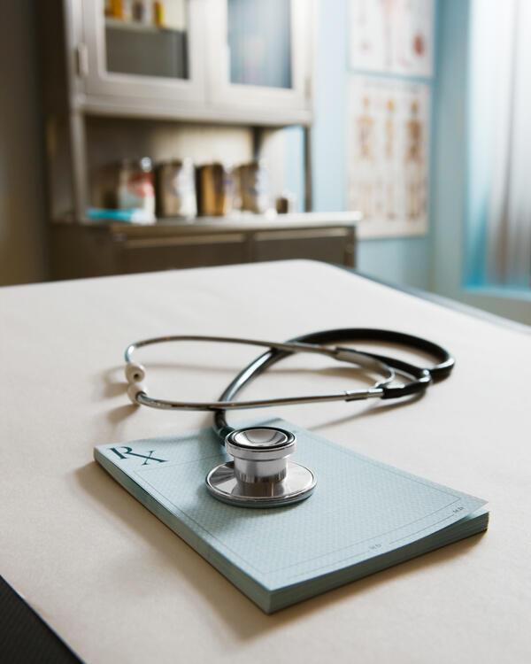 Parmi les motifs de la colère des médecins, il y a la généralisation du tiers payant prévue pour 2017.