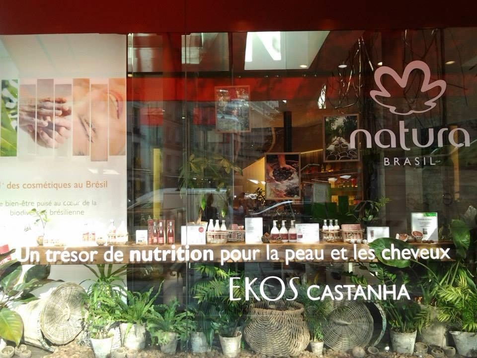 Fachada da loja da Natura em Paris.