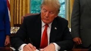 Trump alisema katika mkutano na waandishi wa habari kuwa Korea Kaskazini imekubali kukabidhi mabaki ya askari wa Marekani.