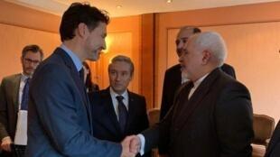 محمدجواد ظریف در حاشیه نشست امنیتی در مونیخ با نخستوزیر کانادا دیدار کرد.