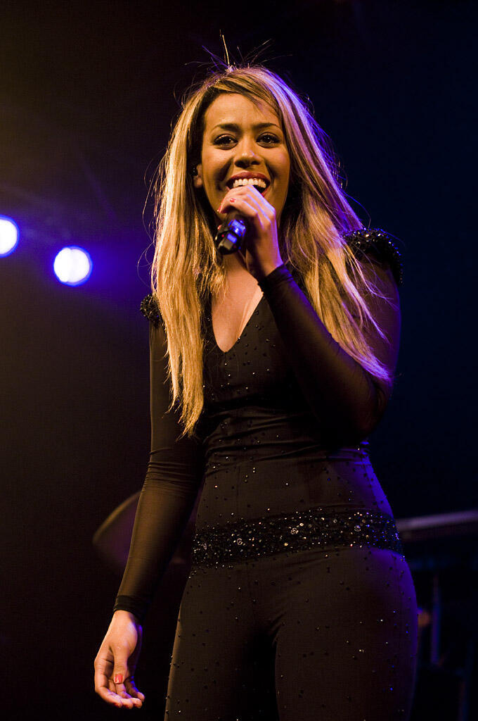 Nữ ca sĩ Pháp Amel Bent.