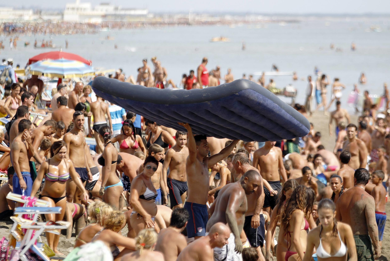 A população mundial vai atingir sete bilhões de pessoas em 2011.