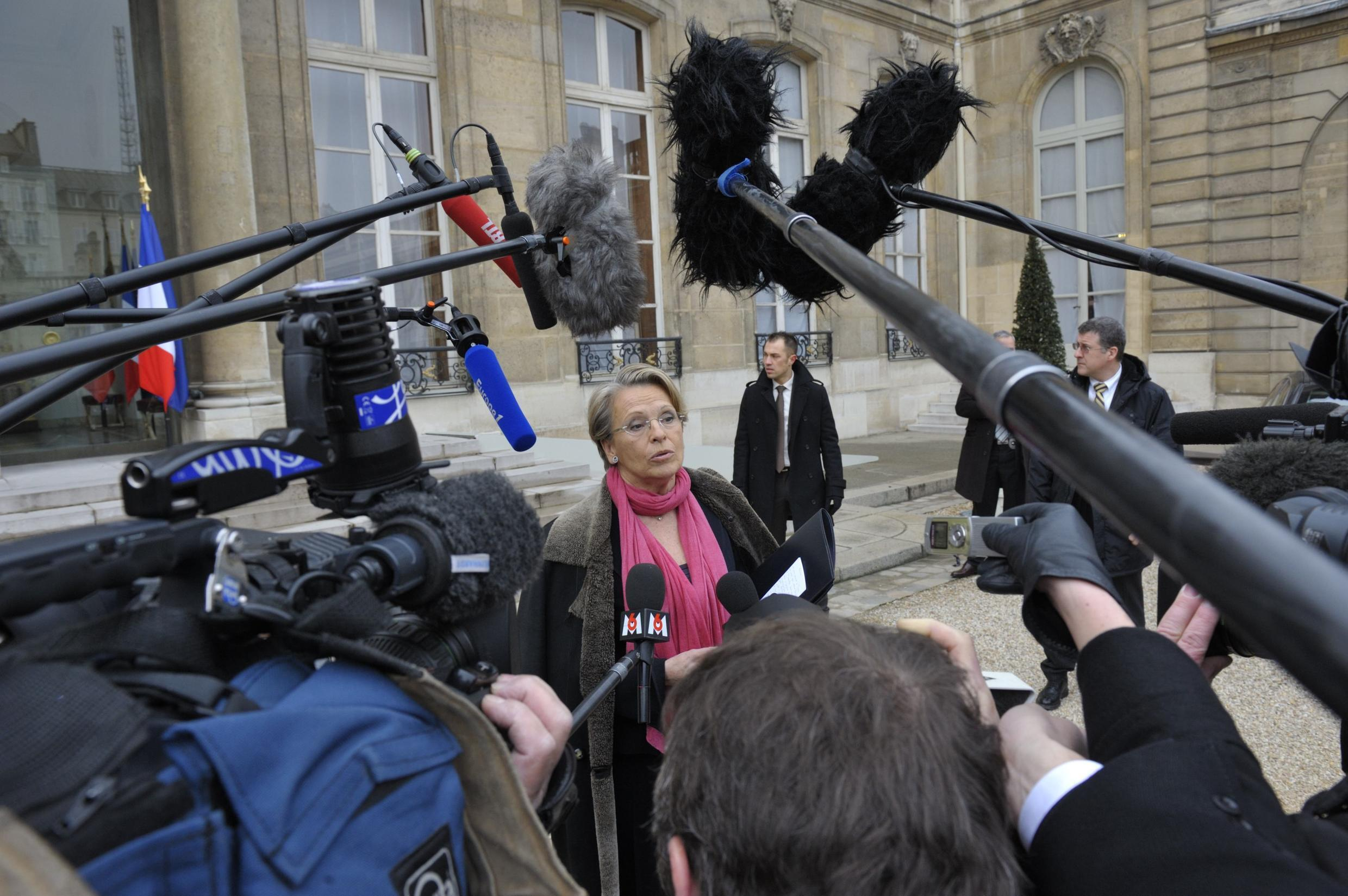 Foreign Minister Michèle Alliot-Marie faces the press (again)