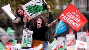Manifestación contra la PMA para mujeres solteras y parejas lesbianas, en París, este 6 de octubre de 2019.