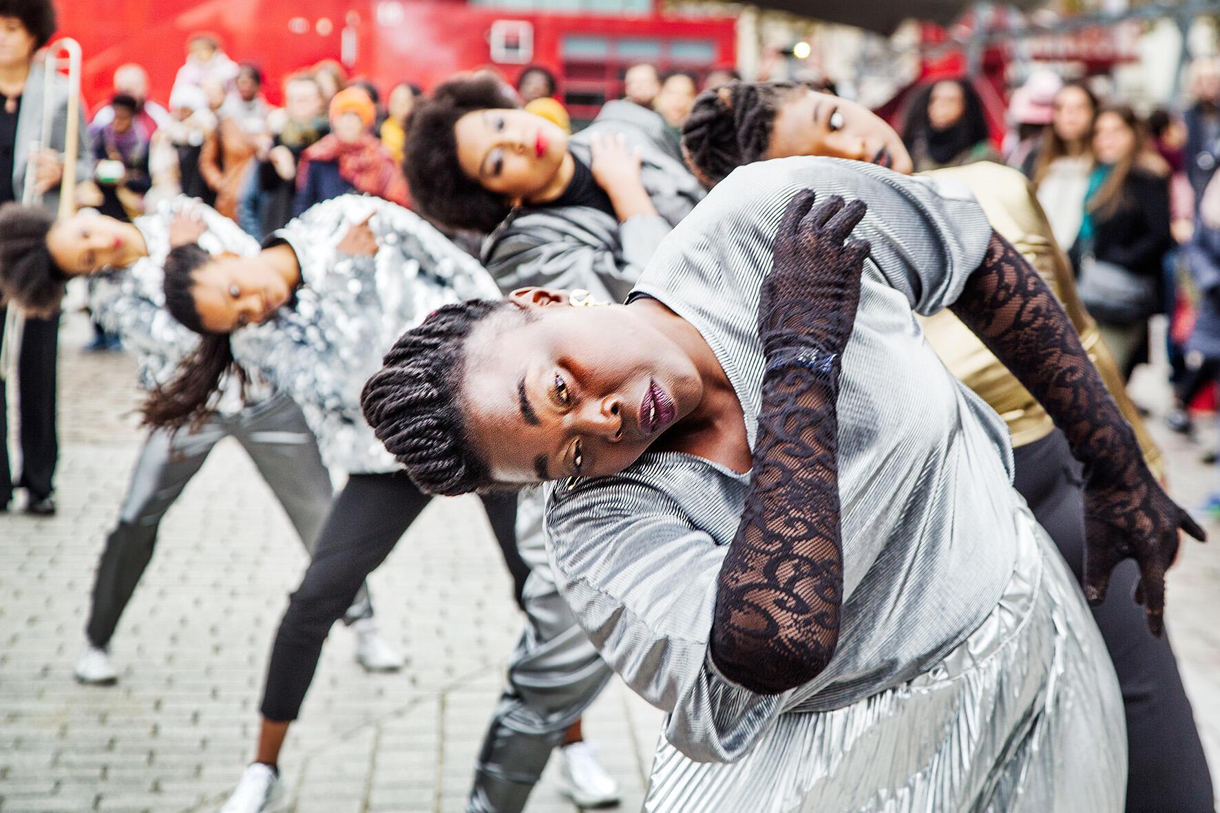 Sandra Sainte Rose Fanchine, chorégraphe née en Martinique et qui a grandi en Côte d'Ivoire, présentera la parade «30 nuances de noir(es)» le 3 octobre, pendant la nuit francophone aux Zébrures d'Automne 2020, à Limoges.