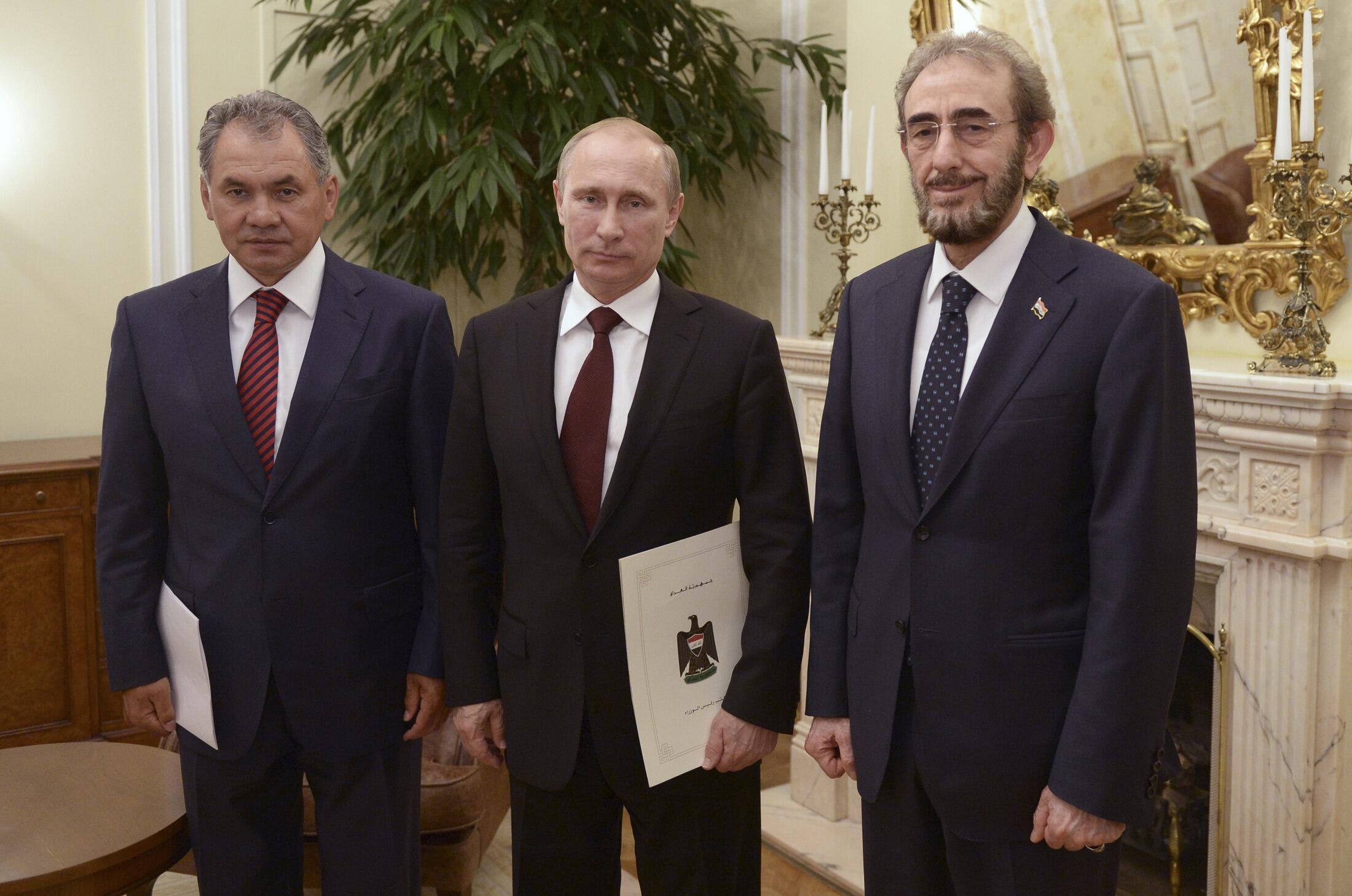 Putin reuniu-se com o ministro da defesa Sergey Shoygu para diminuir as importações de armas depois do anúncio que a União Europeia aplicará novas sanções à Rússia.