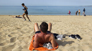 2020-05-25 spain beach coronavirus palma de mallorca lockdown