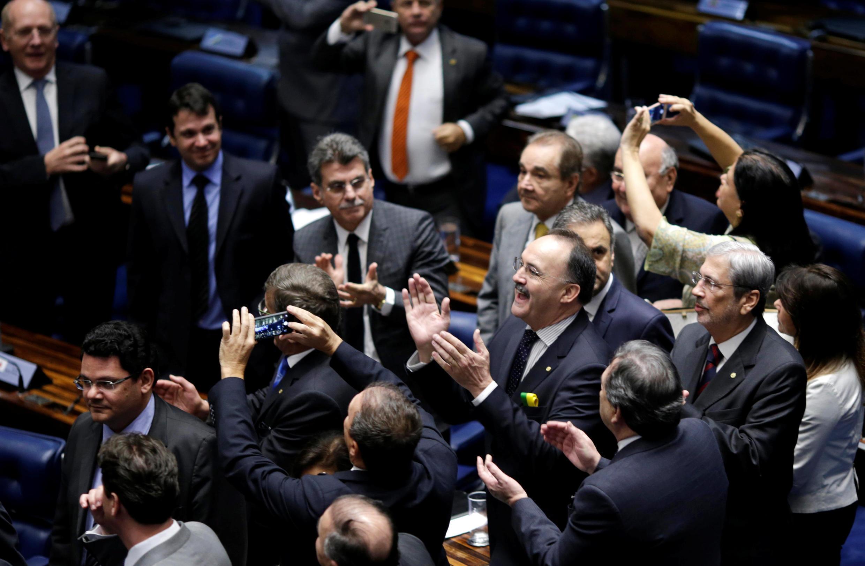 Senadores durante a sessão que decidiu pelo afastamento da presidente Dilma Rousseff.