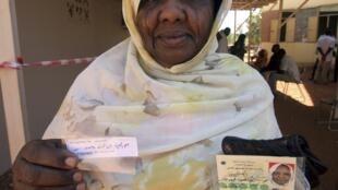 Les Soudanais s'enregistrent pour les premières élections depuis près de 25 ans.