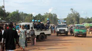 Une patrouille de casques bleus dans le quartier de Sango, à Bangui, le 15 octobre 2014.