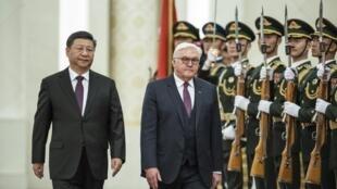 Chủ tịch Trung Quốc Tập Cận Bình đón tổng thống Đức Frank-Walter Steinmeier tại Bắc Kinh ngày 10/12/2018.