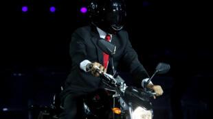 La doublure du président indonésien Joko Widodo arrive à la cérémonie d'ouverture des Jeux asiatiques, le 18 août 2018.