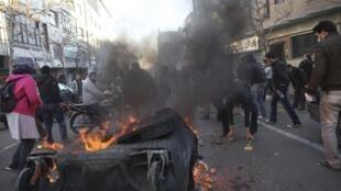 У площади Азади в Тегеране. Акция оппозиции 14/02/2011