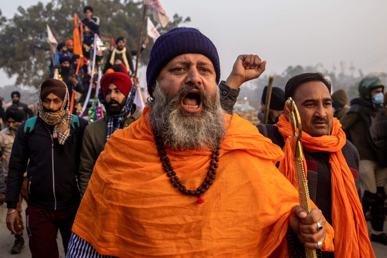 法广存档图片:印度农民抗议示威活动 摄于2021年1月26日 新德里  Image d'archive RFI : Des agriculteurs en colère dans les rues de New Delhi, le 26 janvier 2021, jour de la fête nationale.