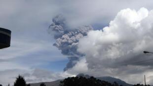 Erupción del volcán Cotopaxi en la provincia de Pichincha, 14 de agosto de 2015.