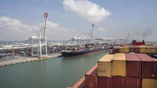 Vue de la zone industrialo-portuaire du Havre (image d'illustration).