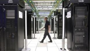 Banque de serveurs informatiques à l'usine Bell Labs d'Alcatel-Lucent à Villarceaux, en France (photo d'illustration).