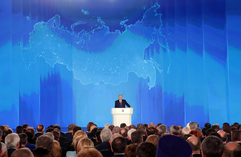 Le président russe Vladimir Poutine, pendant son discours, devant le Parlement à Moscou, le 1er mars 2018.