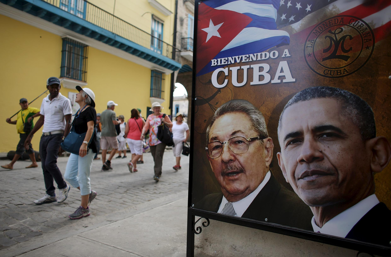 Une pancarte à l'entrée d'un restaurant à La Havane, quelques jours avant la visite historique du président américain Barack Obama sur l'île.