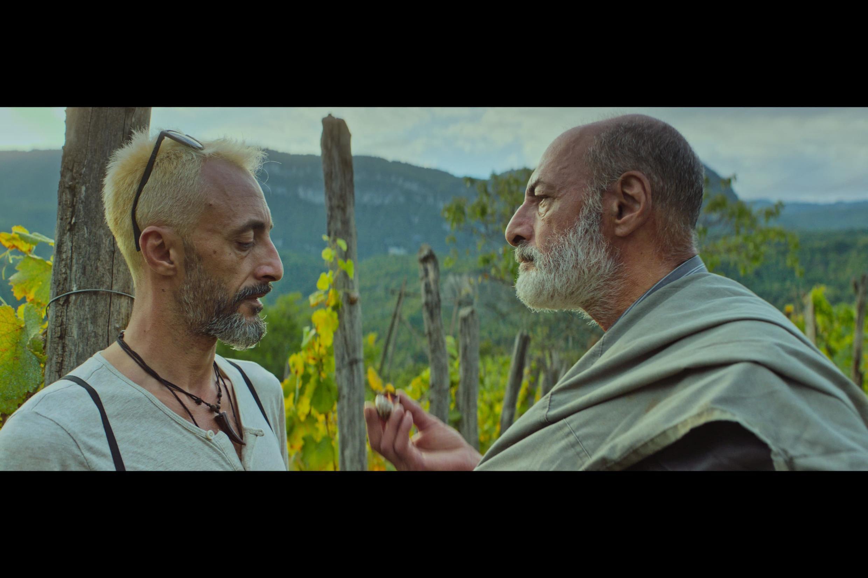 Кадр из фильма «В винном отражении» — новелла «Корни»