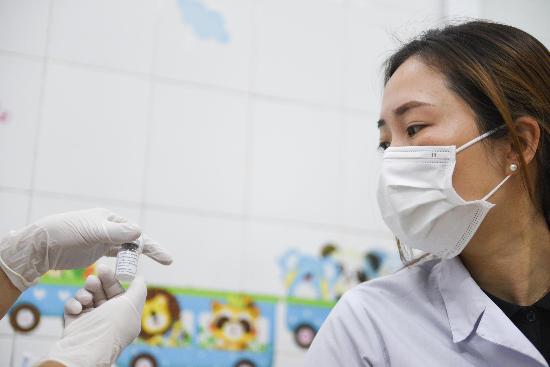 vietnam - covid 19 - vaccination  2021-03-08T063652Z_445968538_RC2U6M9PXP2G_RTRMADP_3_HEALTH-CORONAVIRUS-VIETNAM-VACCINE