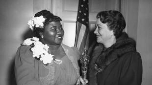 Hattie McDaniel et Fay Bainter.