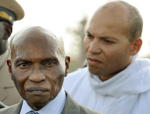 baba wa Karim Wade amebaini maskitiko yake kutokana na maamuzi ya Mahakama dhidi ya mwanae Karim Wade, mamauzi ambayo ameyaita ya kisiasa.