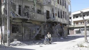 Thành phố Homs hoang tàn bởi các cuộc tấn công liên miên giữa quân chính phủ và nổi dậy từ gần một năm nay..