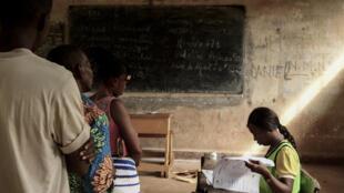 Opération de vote à Bangui pour les élections législatives du 14 mars 2021 en Centrafrique.