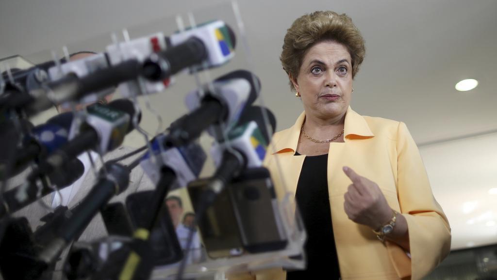 Shugaban  Brazil Uwargida Dilma Rousseff ta na jawabi ga manema labarai a  Brasilia.