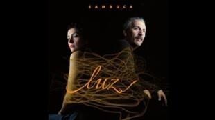 """Album """"Luz"""" reinterpreta os clássicos da música brasileira"""