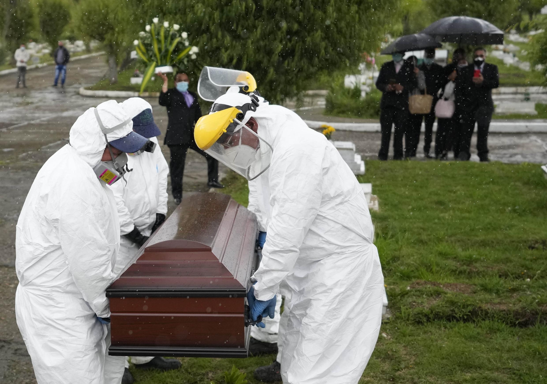 براساس تازهترین آمار وزارت بهداشت کلمبیا، شمار قربانیان کرونا در این کشور با مرگ ۶۴۸ نفر دیگر طی شبانهروز گذشته به ۱۰۰ هزار و ۵۸۲ نفر رسید.