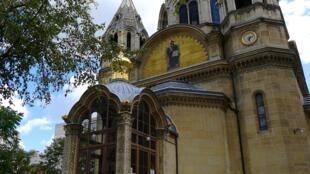 Собор Александра Невского на улице Дарю в Париже