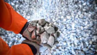 La France ne produit pas de titane, elle importe les éponges de titane du Kazakhstan, l'un des premiers producteurs au monde avec la Russie et la Chine.