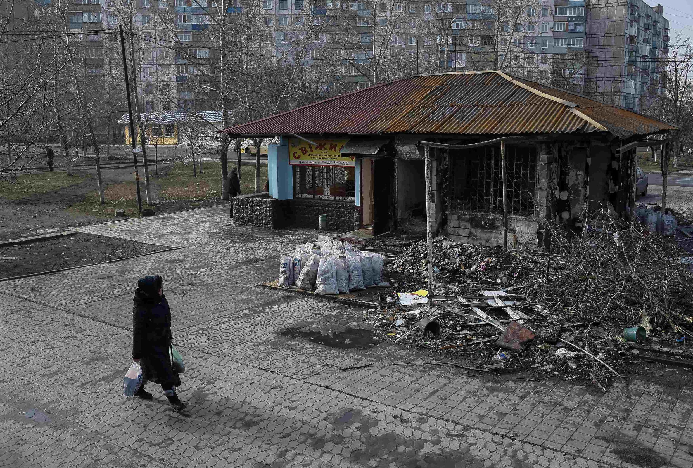Разрушения в Мариуполе после артиллерийскиз обстрелов января 2015 года.