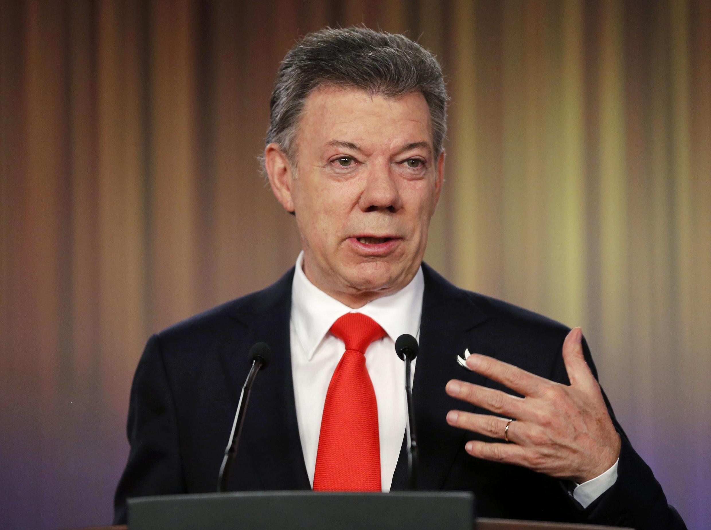 El presidente colombiano, Juan Manuel Santos, exigió la liberación de los secuestrados para seguir con el proceso de paz.