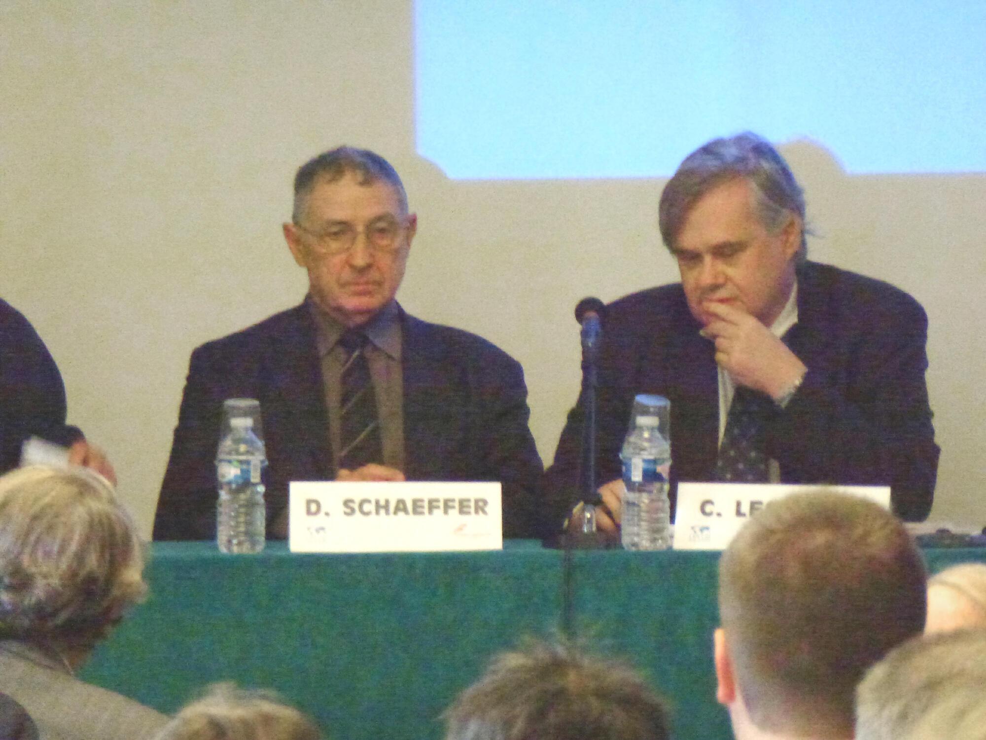 Tướng Daniel Schaeffer tại Hội thảo về Biển Đông ở Paris ngày 16/10/2012.