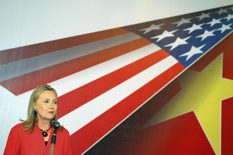 Ngoại trưởng Mỹ Hillary Clinton phát biểu tại một cuộc gặp gỡ các doanh nhân Mỹ - Việt tại Hà Nội ngày 10/07/2012.