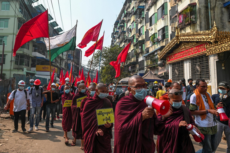 2021-02-26T054428Z_1352839872_RC250M9S76LH_RTRMADP_3_MYANMAR-POLITICS