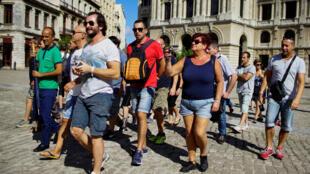 Romería de turistas en La Habana, noviembre de 2017.