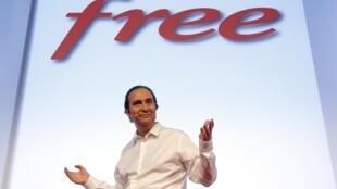 Xavier Niel, fundador da Free, durante lançamento do esperado serviço de telefonia móvel da marca, nesta terça-feira em Paris.
