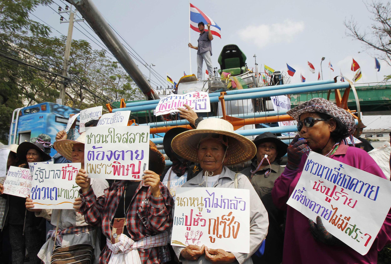 Nông dân Thái Lan đổ về Bangkok biểu tình đòi chính phủ thanh toán tiền trợ giá gạo, ngày 6/2/2014.
