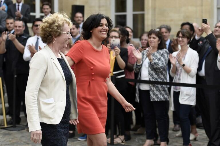Labour Minister  Muriel Pénicaud (L) with her predecessor Myriam el-Khomri, who piloted the previous labour code reform