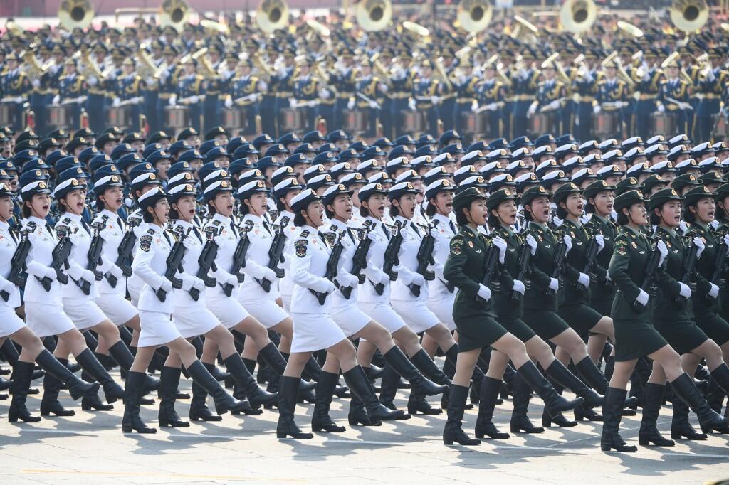 中國舉行70周年國慶閱兵