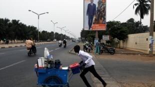 Dans une rue de Lomé, le 19 février 2020.