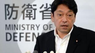 Bộ trưởng Quốc phòng Nhật Bản Itsunori Onodera (ministrydefence.jp)