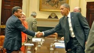 El presidente electo de Perú Ollanta Humala saluda a mandatario estadounidense Barack Obama.